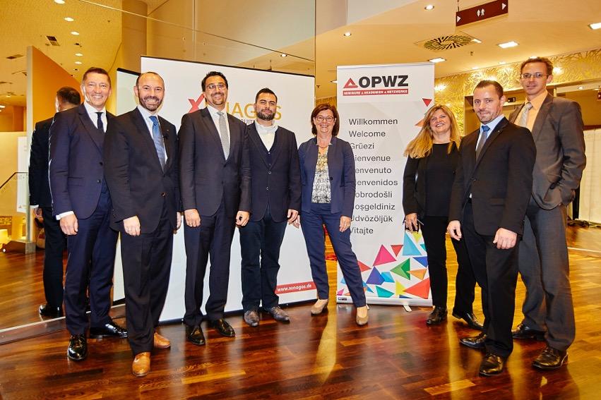 Mag. Stefan Siedler (3. von links) beim ÖPWZ Sales Forum 2016